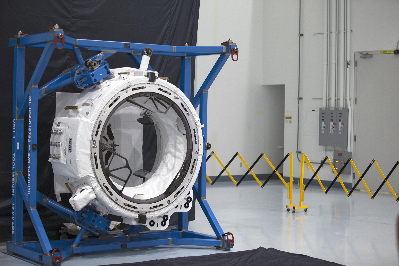 International Docking Adapter 2 (IDA-2) w czasie testów przed startem (Źródło: NASA)