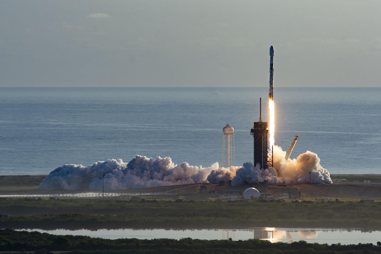 Start rakiety Falcon 9 z misją Starlink-6 (Źródło: SpaceX)