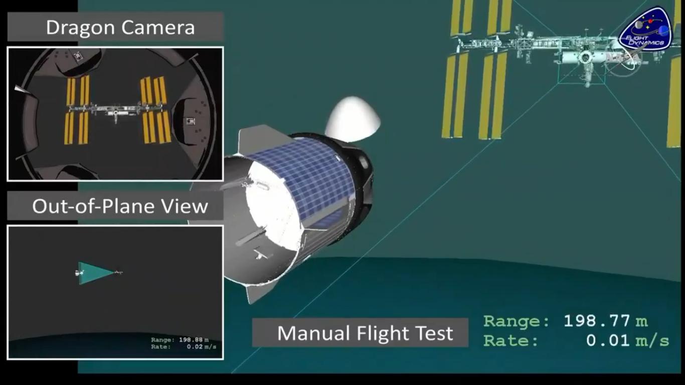 Fragment symulacji lotu przedstawiający manualne sterowanie statkiem Dragon (Źródło: NASA/SpaceX)